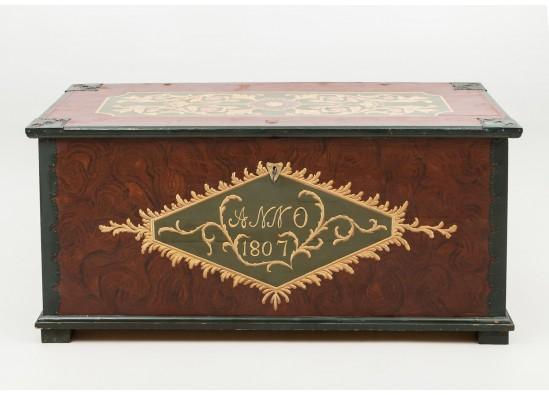 Антикварный сундук в стиле Эклектика Швеция, середина 20 века