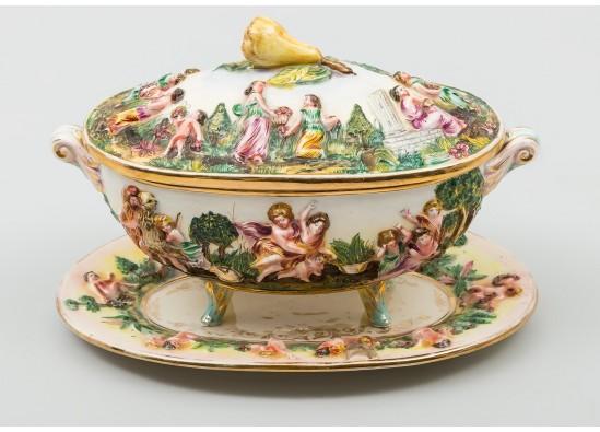 Блюдо в стиле Эклектика, Италия, начало 20 века