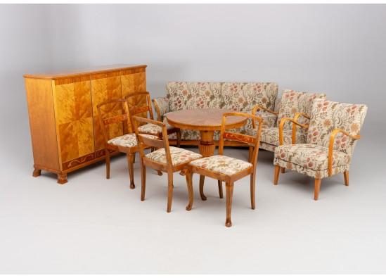 Svetainės baldų komplektas