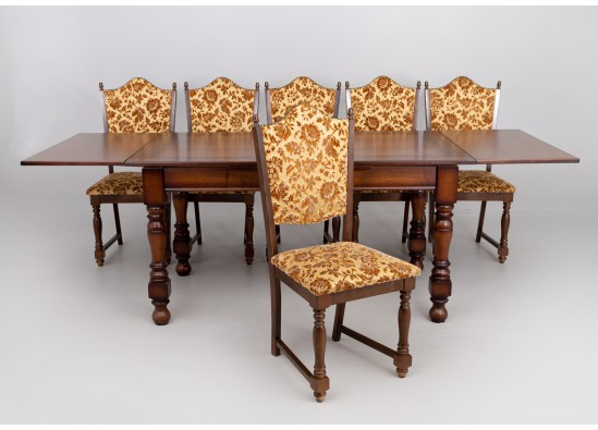 Diningroom furniture